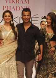 Indian fashion festival featured a Bollywood designer